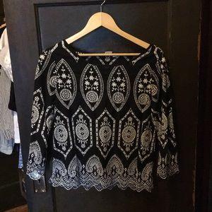 Eyelet quarter sleeve blouse